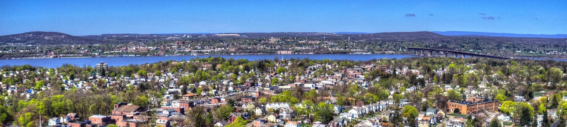 city of beacon landscape and river